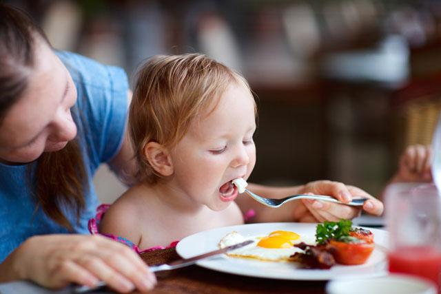 Một ngày cho trẻ ăn bao nhiêu trứng làđủ